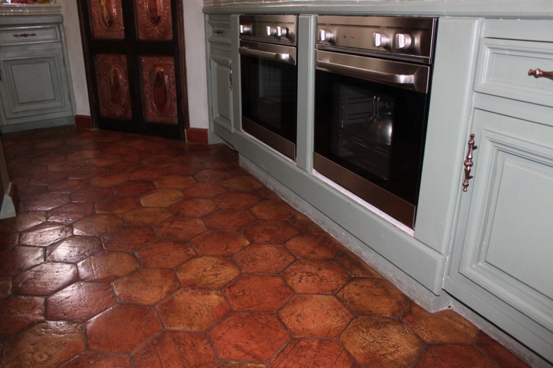 Terracotta floor tiles kitchen